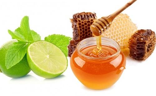 trị thâm mụn bằng mật ong va chanh