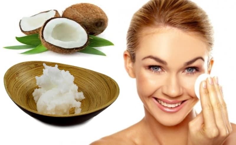 Cách xông da mặt trị mụn ẩn với dầu dừa