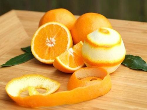 trị thâm quầng mắt bằng cam
