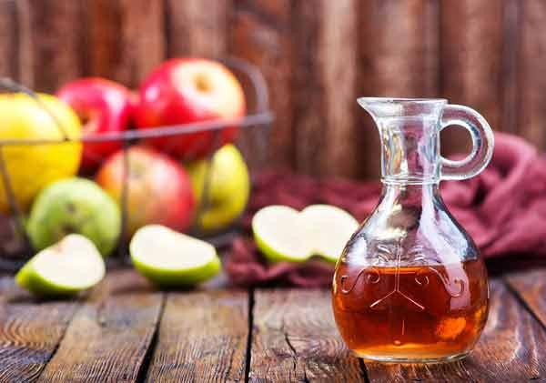 trị mụn bọc bằng giấm táo